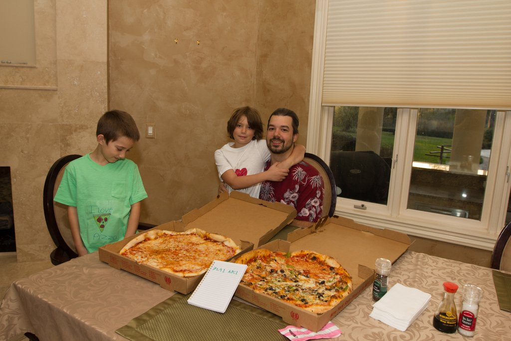 Two pizzas bought for Bitcoins and Laszlo Hanyecz's family